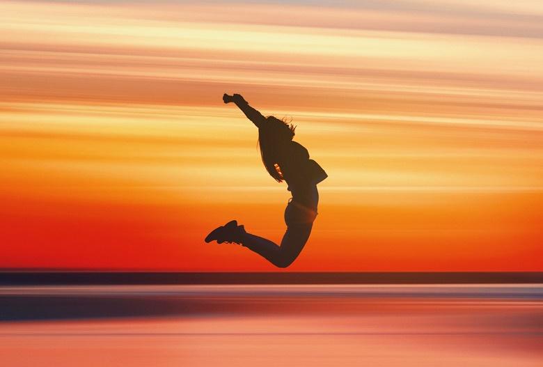 Jumping-woman-e-780