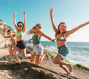 Healthy-people-jumping-09-300