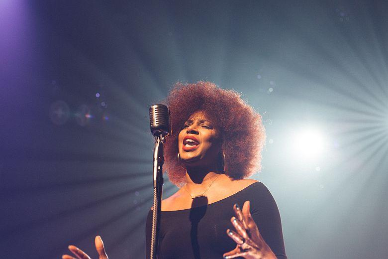 Woman-singing-7-780